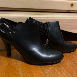 Black ankle booties never worn